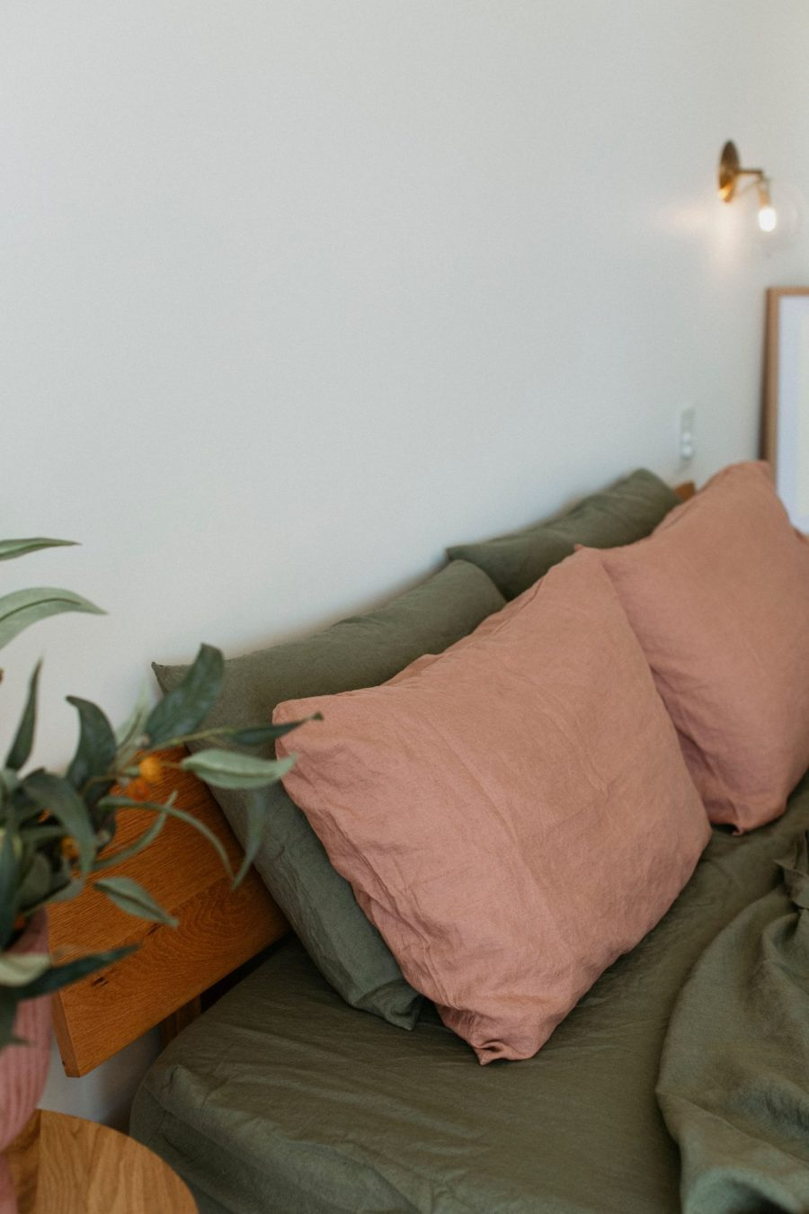 Moss living linen pillowcase set In lotus with moss sheets