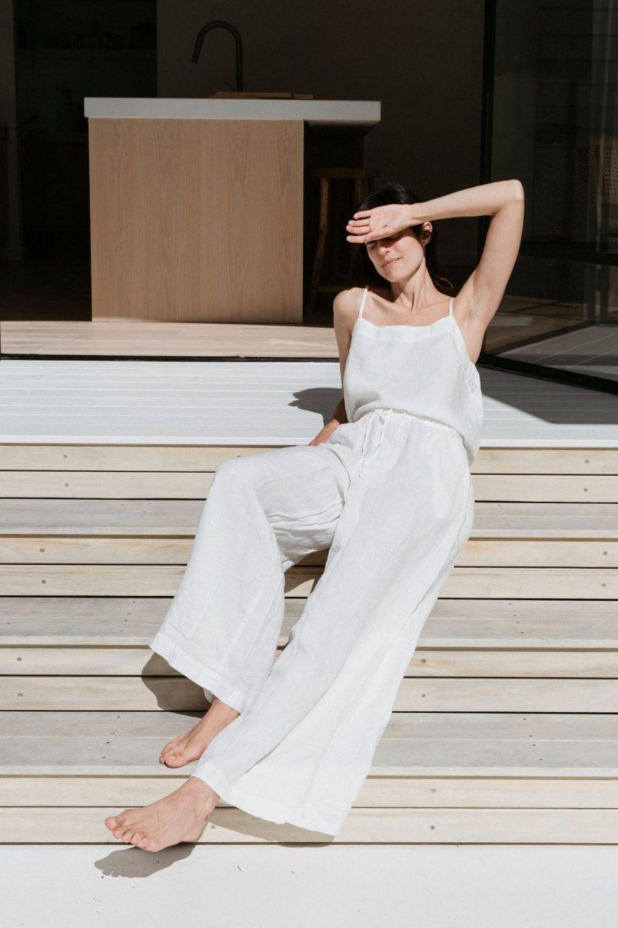Moss living linen cami in sundae white With linen pants